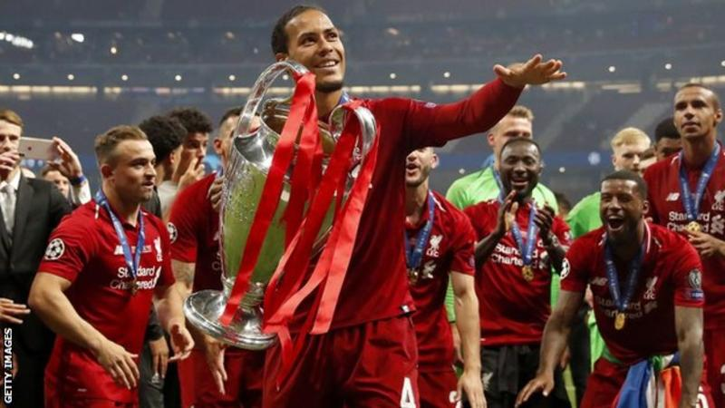 Върджил ван Дайк е един от седемте на Ливърпул в списъка с кандидатите за Балон д'Ор